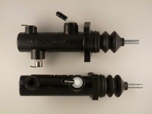 6111136M92/T110747 Цилиндр тормозной главный парный Terex